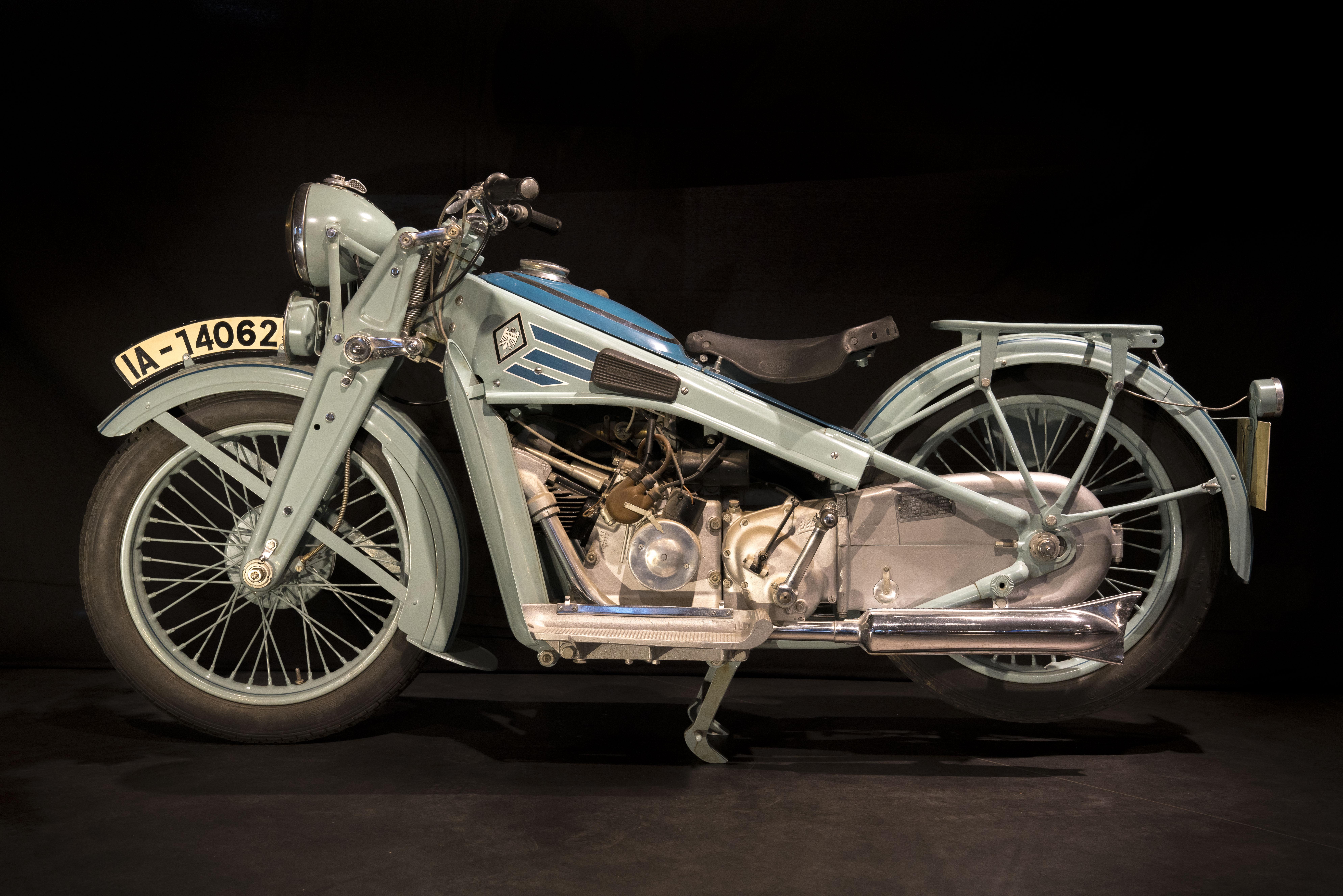 two-wheeler-exotics_03