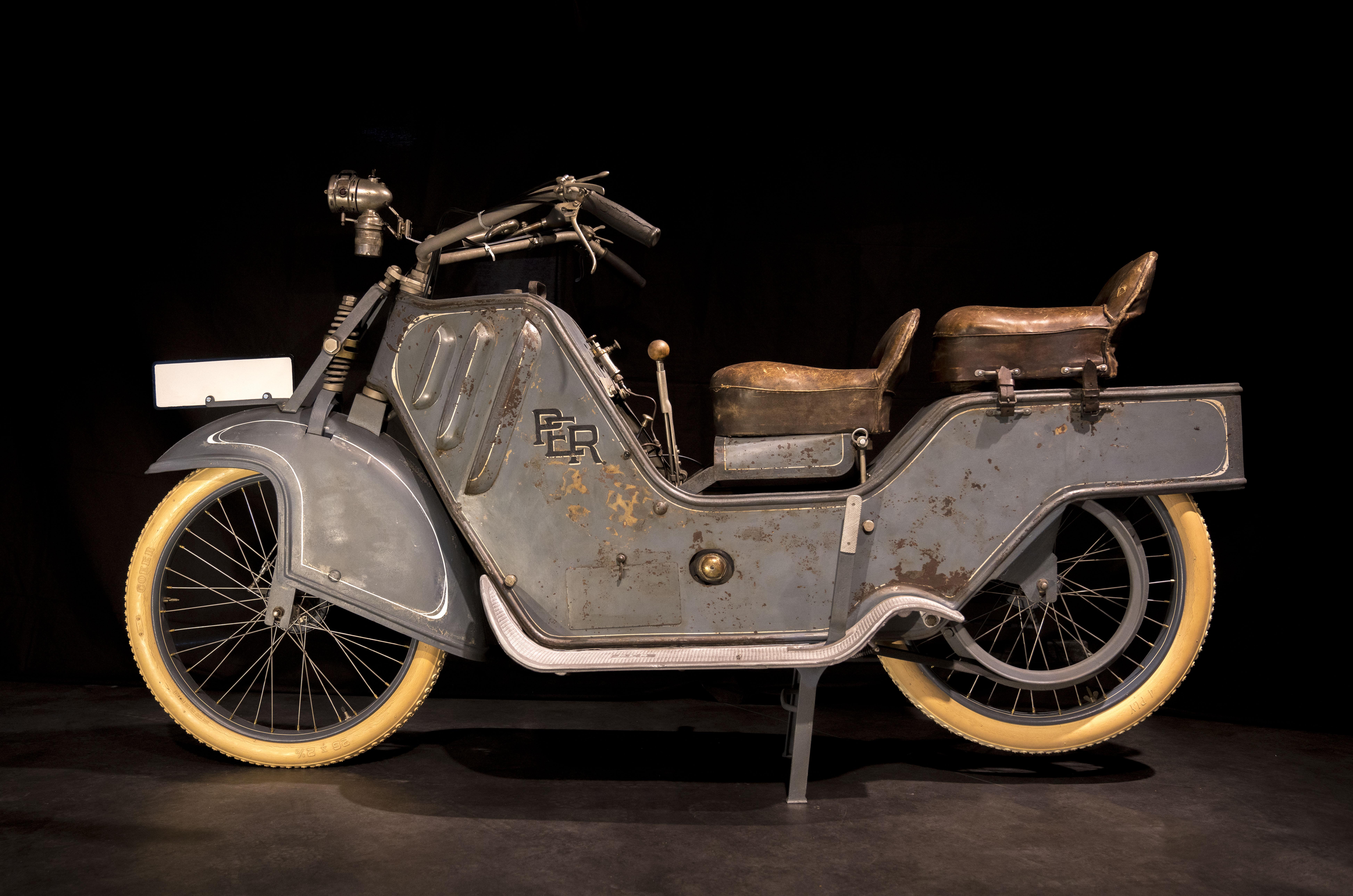 two-wheeler-exotics_04